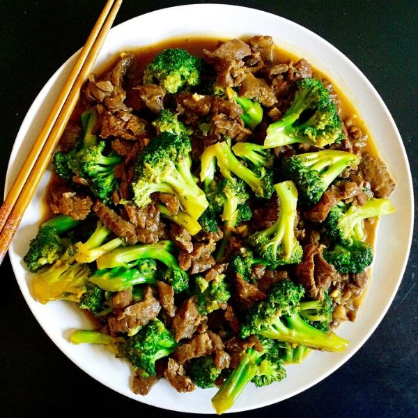 Stir-Fry Beef & Broccoli With Carrot Noodles