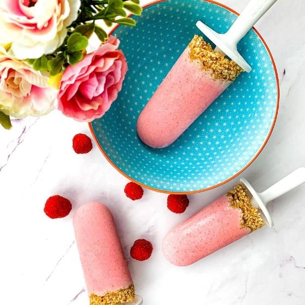 Raspberry Cheesecake Lollipops